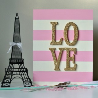 striped-glitter-love-sign-with-heart
